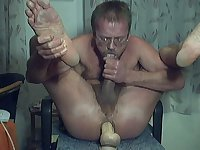 HARRI LEHTINEN HAVING A HOT CUMEATING SELFSEX SOLO!