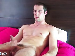 Sexy Hunk Wanking & Getting Cock Jerked
