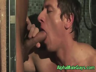 Straight jock receiving brain in shower